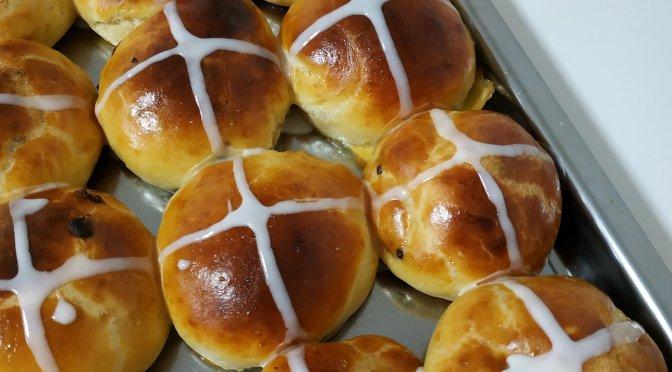 Hot cross buns – Bollos de pascua